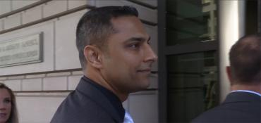 Imran Awan enters court Oct. 6, 2017